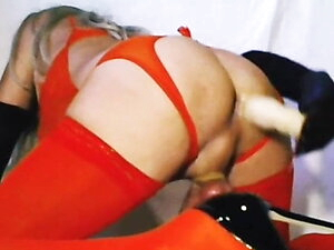 LuziaTv  plug anal 2