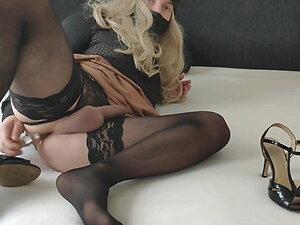 Crossdresser - fucking deep make me cum over sexy high heels