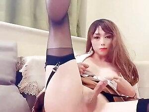 Japanese cd babe loves her stockings