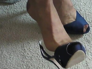 Peep toe pumps, brown RHT