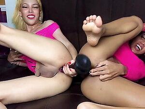 Shasha and Sonya Play in Pink!