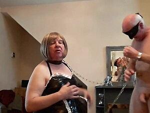 Breeding a doggy bitch