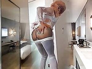 Niclo sexy bathroom masturbation