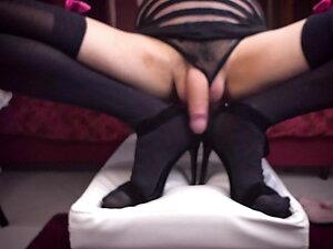 High heels sissy slut foot fetish cumshot