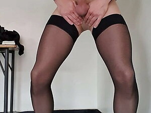 Shooting massive load in pantyhose and stockings