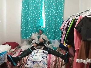pvc sissy maid cosplay miku sucks toy vibrates loves pillow